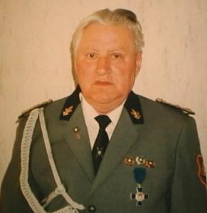 Herr Heinz Schneider