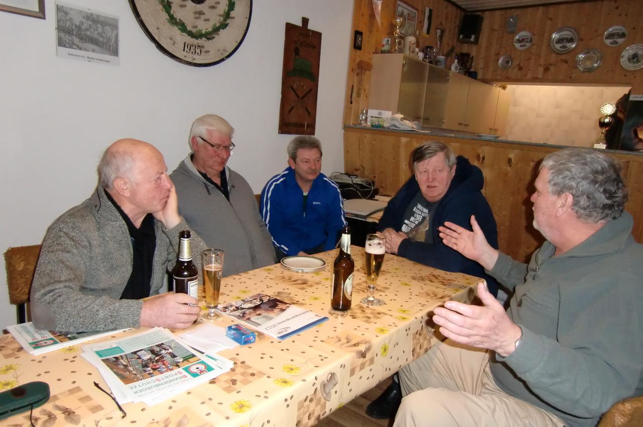 Nach dem Pokalschießen Pistole. Manfred Ruhland, H-J. Thomas,Frank Minnich, Hansjürgen Kögler, H.- J. Döringe