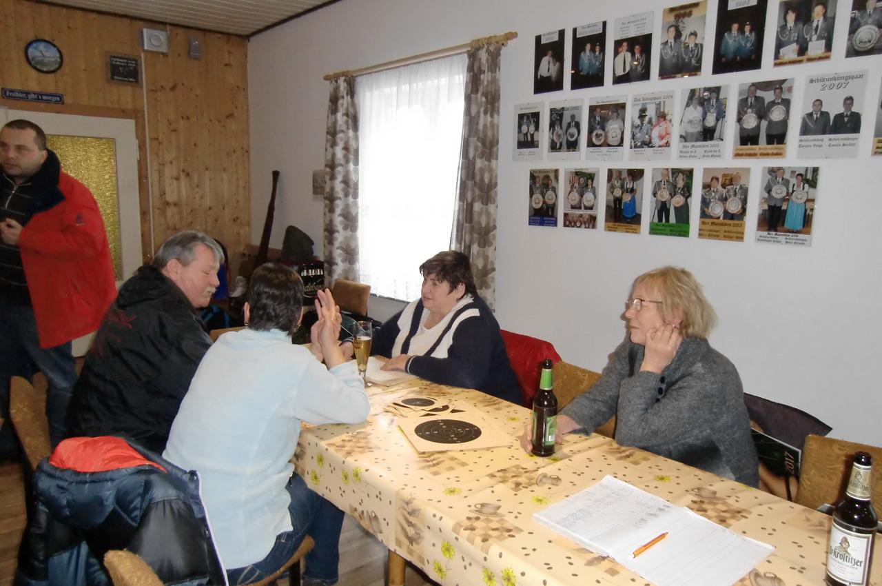 Neujahrsschiessen Jutta Flade Ursula Nicolai Carola Seifert Horst Liehr